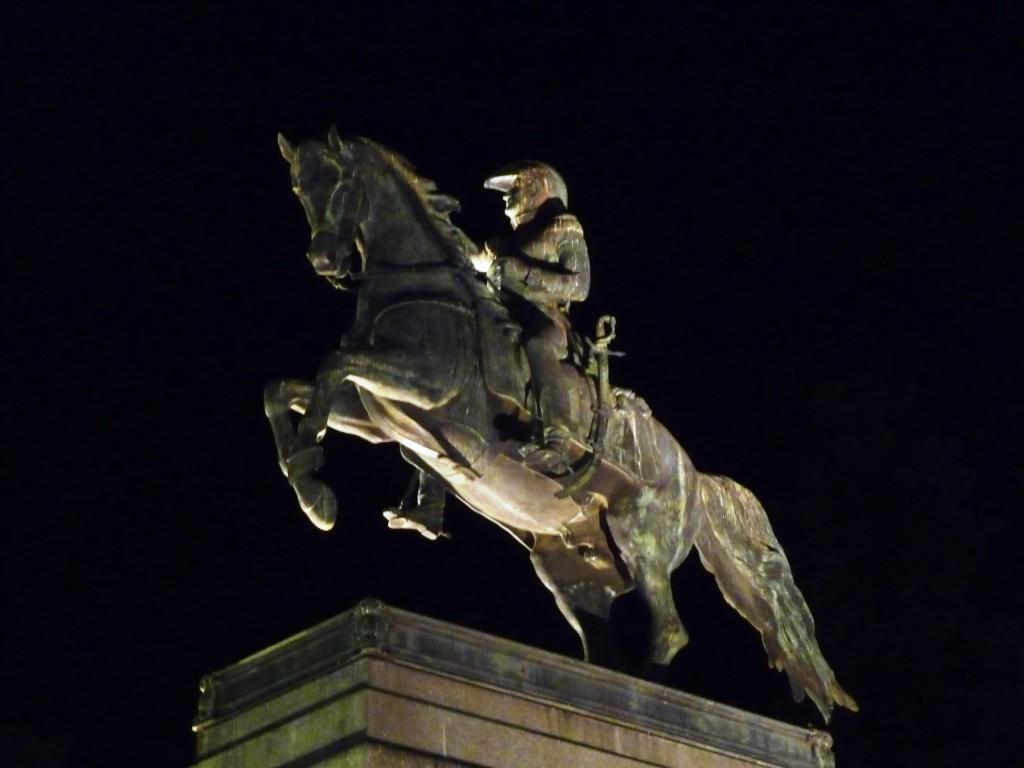 San Martin Statue, Plaza San Martin