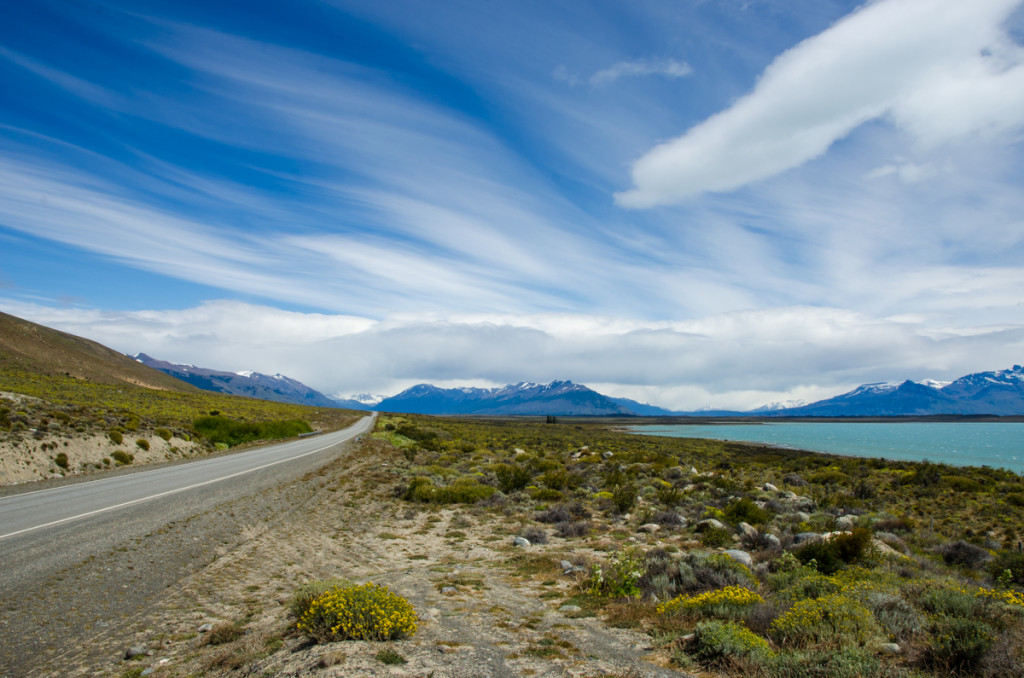 The road to Glaciar Perito Moreno