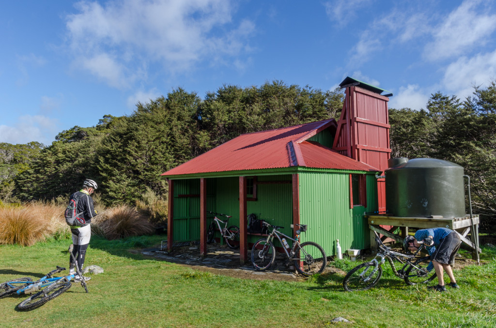 Gauland Downs Hut, Heaphy Track