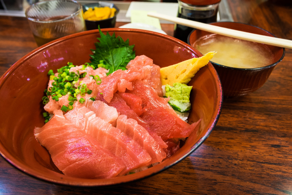 Sashimi breakfast at Tsukiji Market
